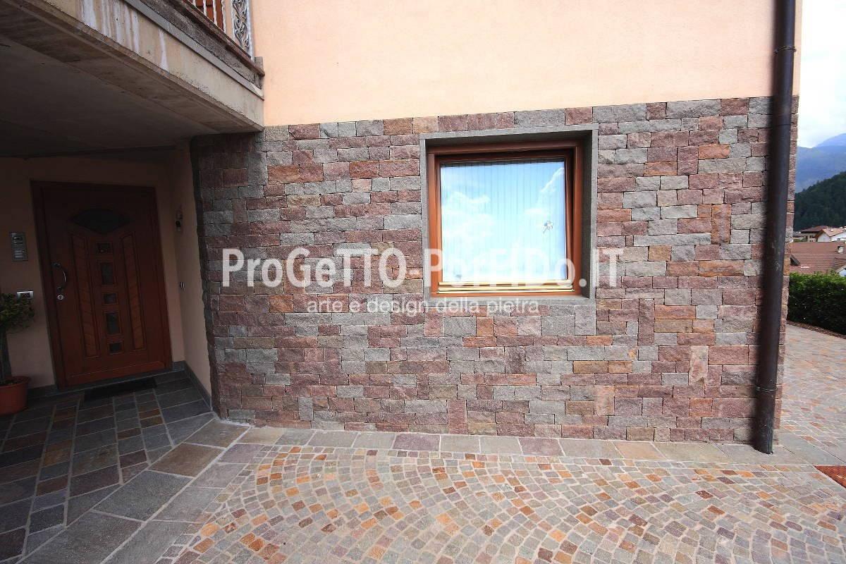 Rivestimento muri con pietre naturali e porfido progetto - Rivestire muro esterno ...