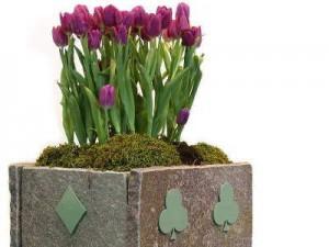 Arredi urbani con fioriere e cestini di porfido for Arredi ecologici