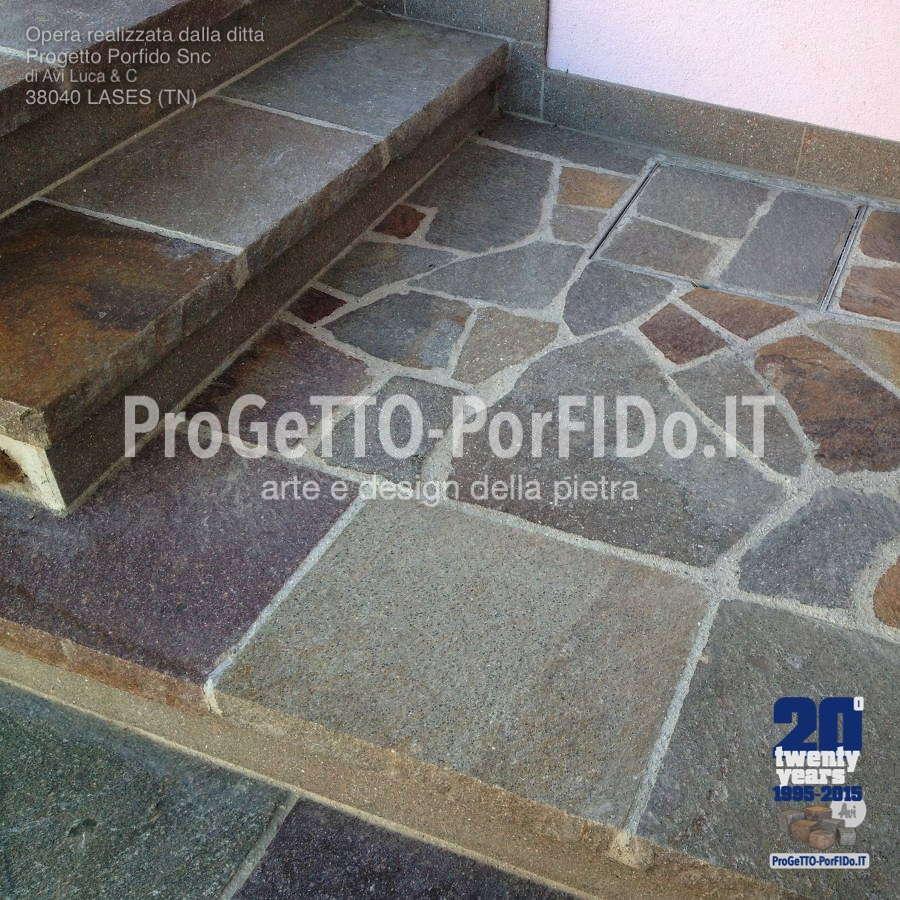 dettaglio gradini a mosaico