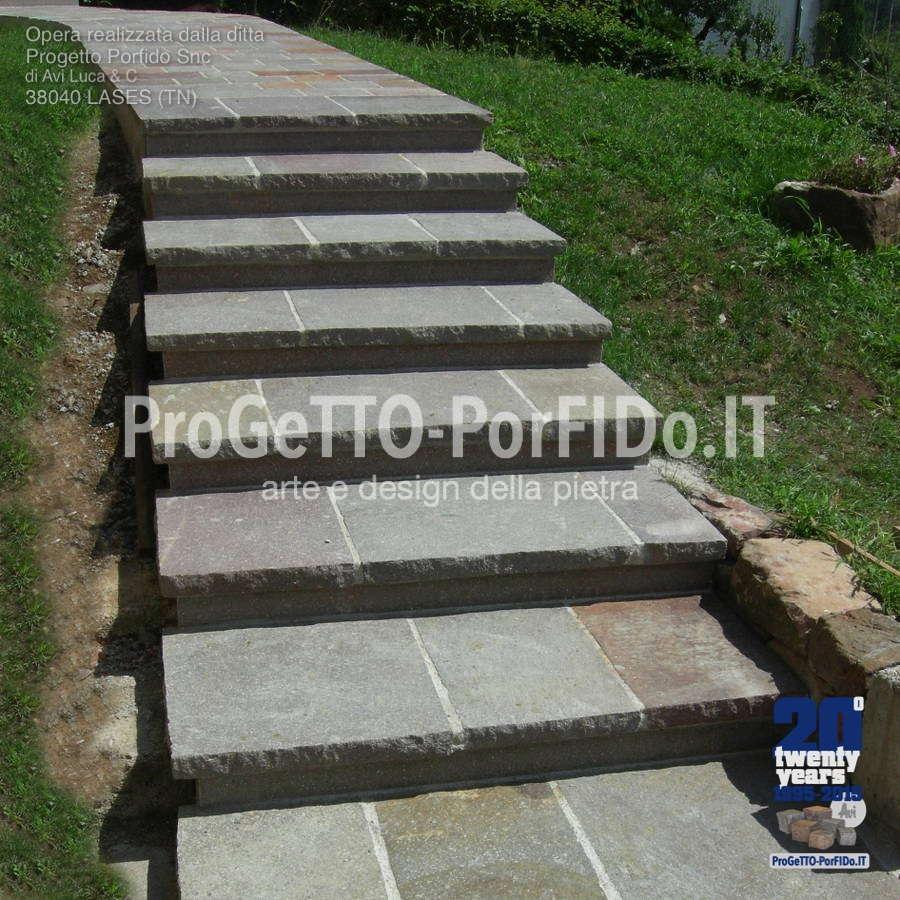 gradini di porfido